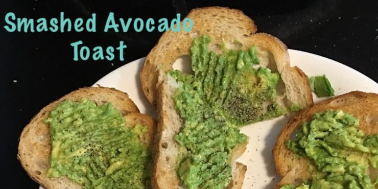 Easy Smashed avocado on toasted bread